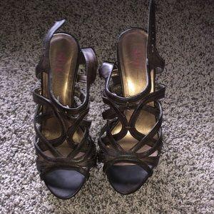 Shi platform heels